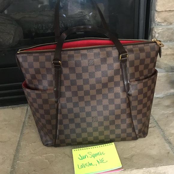 3db042e5ec65 Louis Vuitton Handbags - Authentic Louis Vuitton totally mm DE